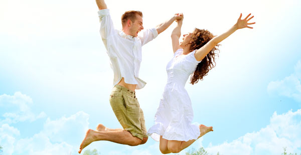 Happy-Couple-Jumping